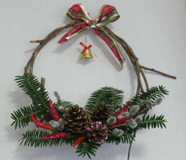 出来上がった二つのクリスマスリースはぞうさんの作り手さんお二人の元に!!